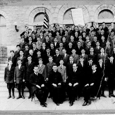 West Catholic Students 1917.tif