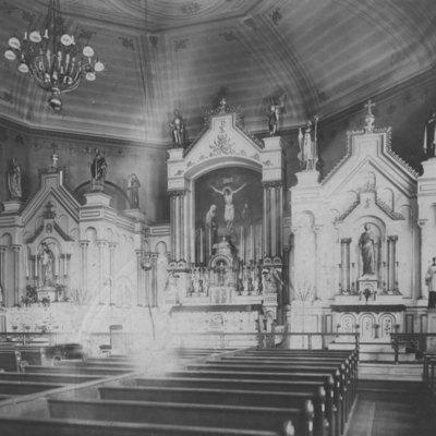Holy Trinity Int. 1892.jpg